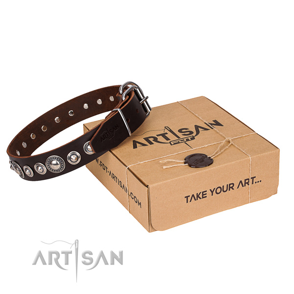 Genuine leather dog collar made of high quality material with rust-proof traditional buckle
