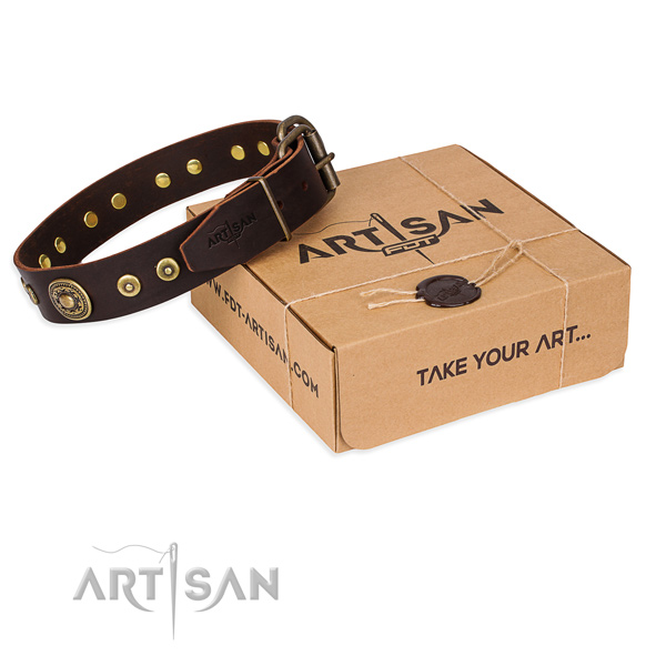 Natural genuine leather dog collar made of high quality material with corrosion proof traditional buckle